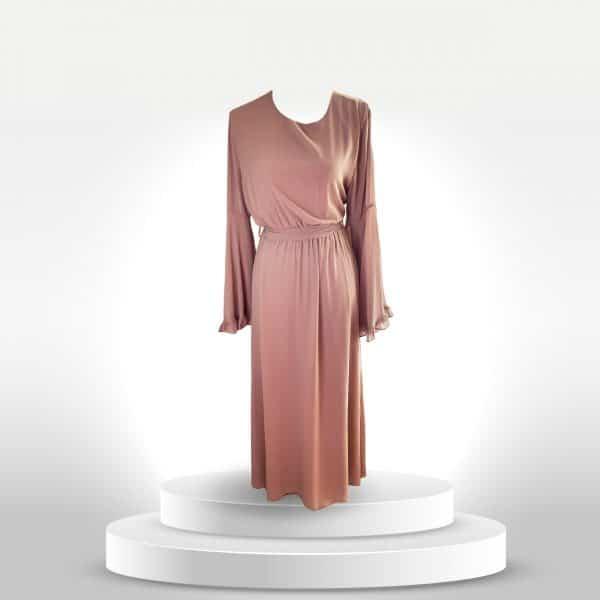 robe Inaya nude